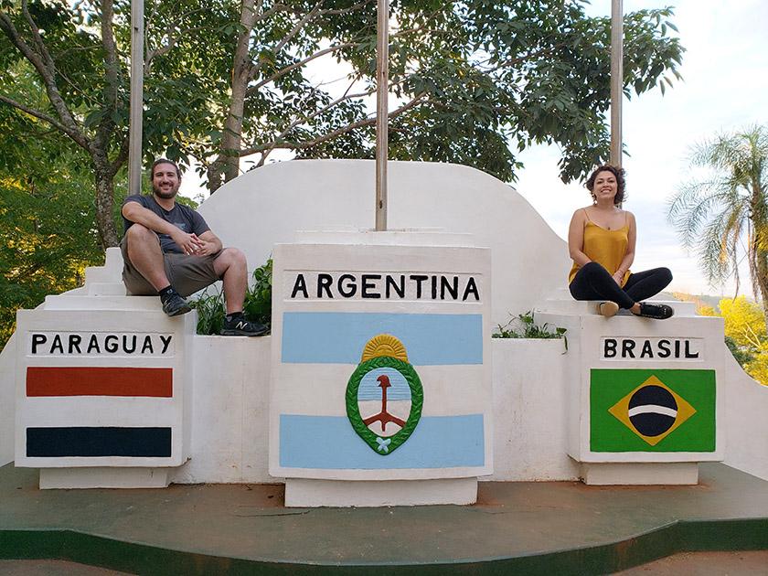 La Frontera - Paraguay Argentina Brazil Borders